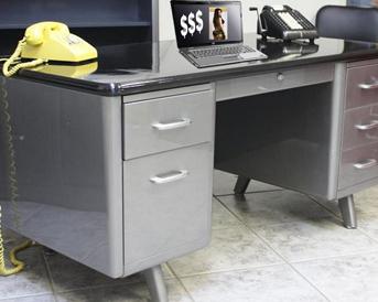 desk kim